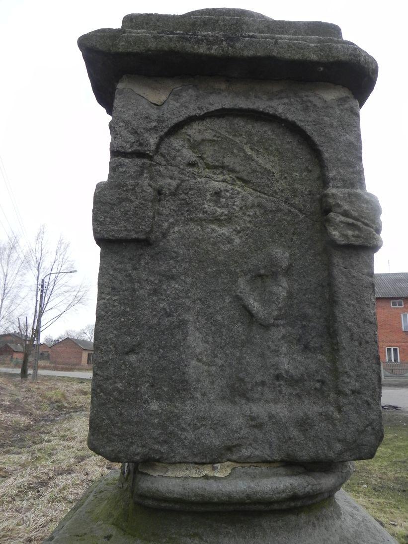 2011-02-09 Krzemienica kapliczka nr1 (6)