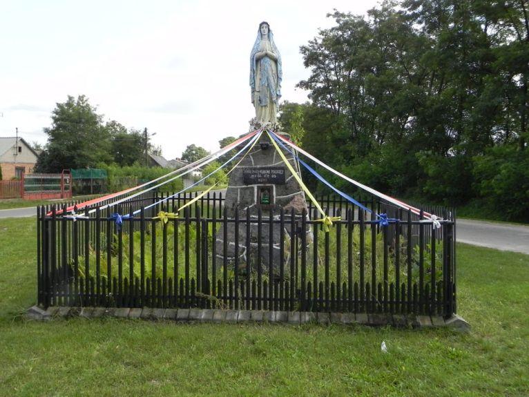 2011-08-28 Lewin kapliczka nr2 (2)