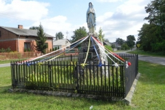 2011-08-28 Lewin kapliczka nr2 (7)