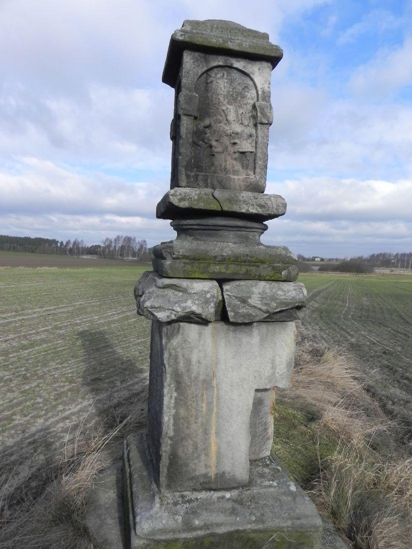 2011-02-09 Lipie kapliczka nr1 (11)