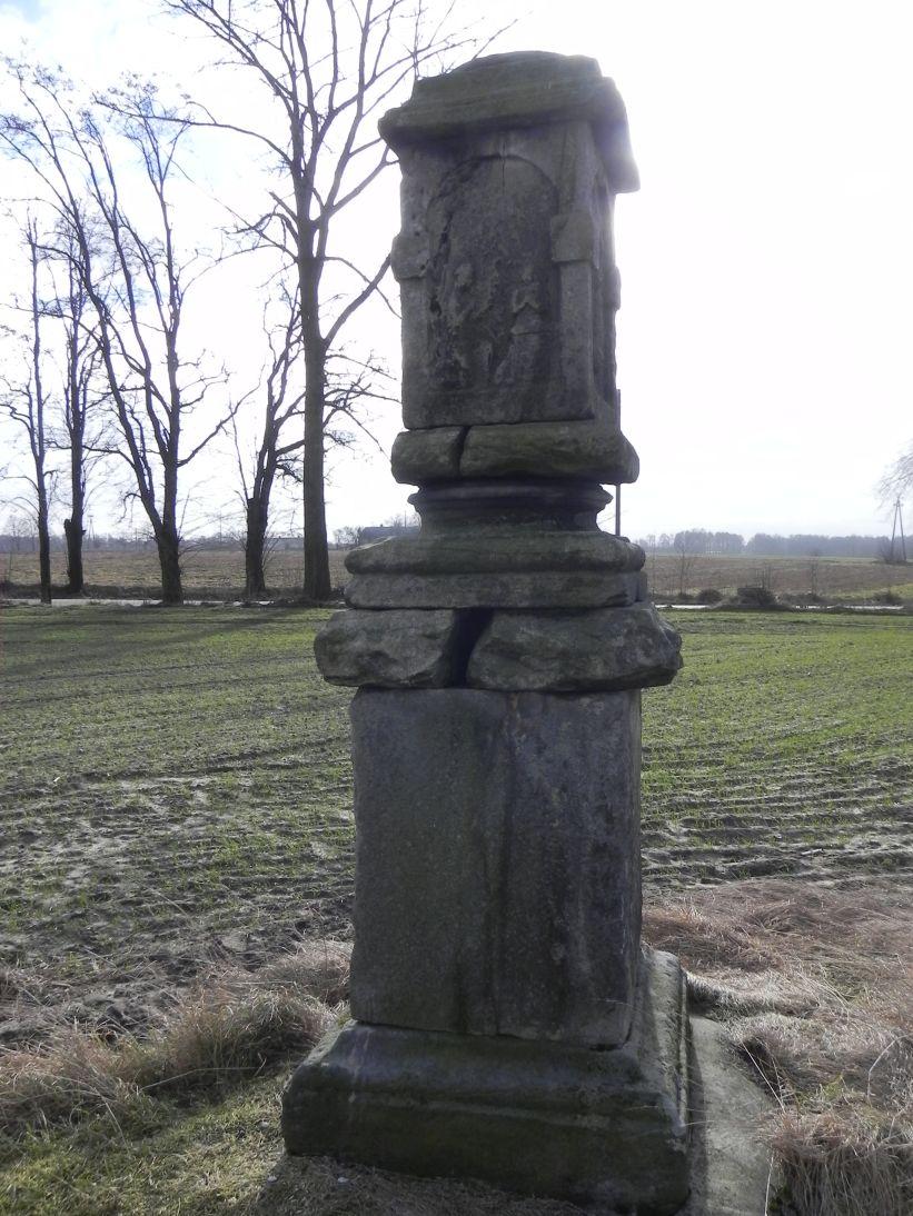 2011-02-09 Lipie kapliczka nr1 (4)