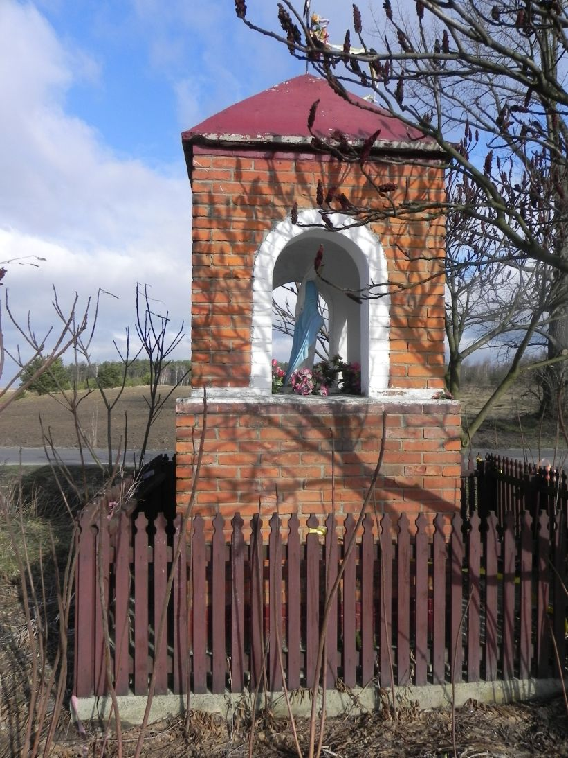 2011-02-09 Lipie kapliczka nr2 (2)