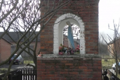 2011-02-09 Lipie kapliczka nr2 (5)
