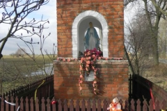 2011-02-09 Lipie kapliczka nr2 (7)