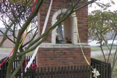 2011-10-30 Lipie kapliczka nr2 (10)