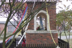 2011-10-30 Lipie kapliczka nr2 (11)
