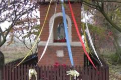 2011-10-30 Lipie kapliczka nr2 (8)