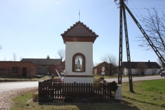 2019-03-24 Lipie kapliczka nr2 (8)
