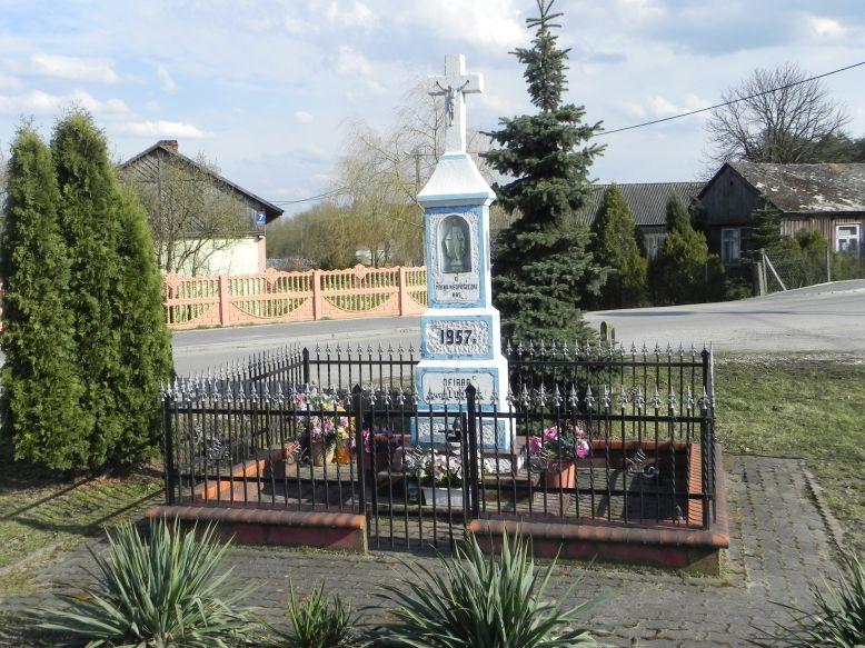 2018-04-05 Lubocz kapliczka nr1 (2)