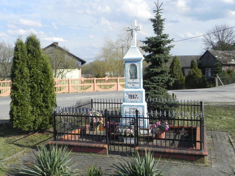 2018-04-05 Lubocz kapliczka nr1 (3)