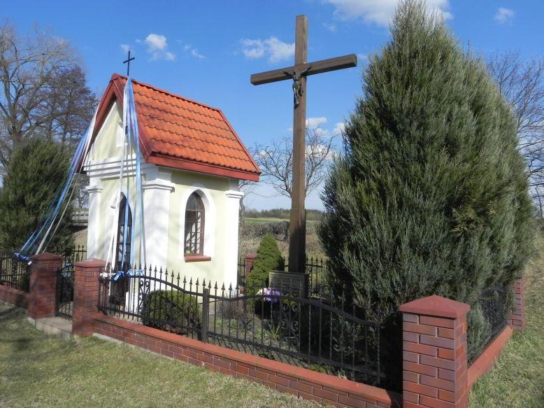 2018-04-05 Lubocz kapliczka nr2 (1)