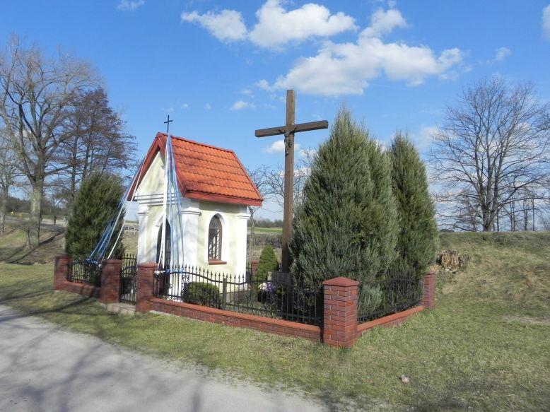 2018-04-05 Lubocz kapliczka nr2 (7)