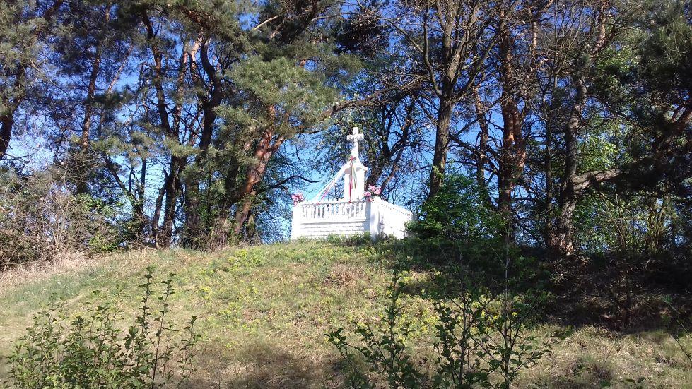 2018-04-22 Łęgonice Małe kapliczka nr1 (1)