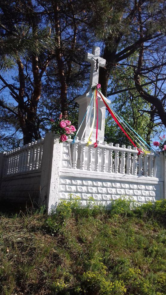 2018-04-22 Łęgonice Małe kapliczka nr1 (7)
