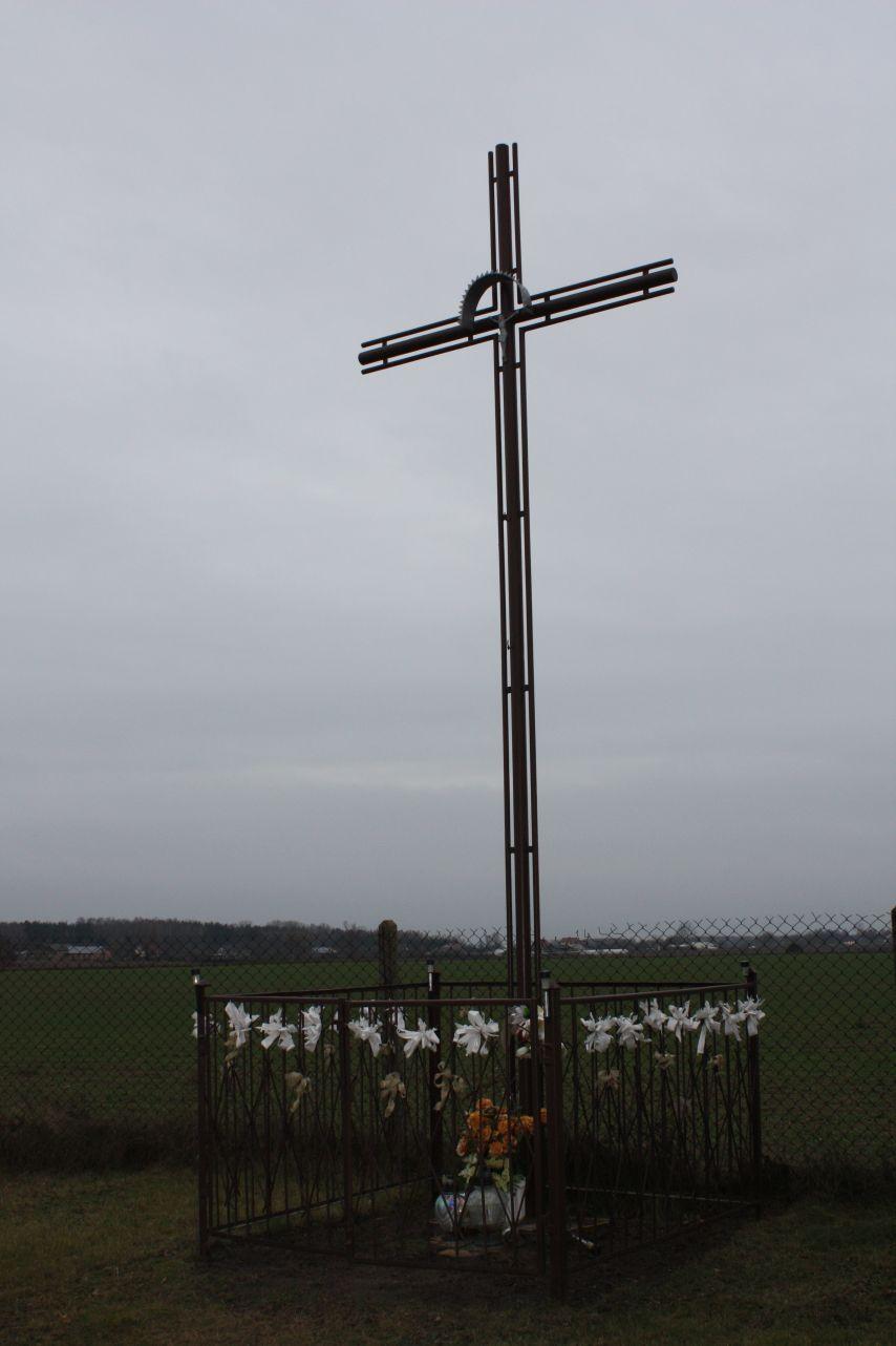 2018-12-23 Mała Wieś krzyż nr2 (3)