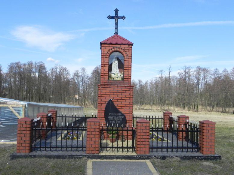 2018-04-05 Bobrowiec kapliczka nr1 (3)