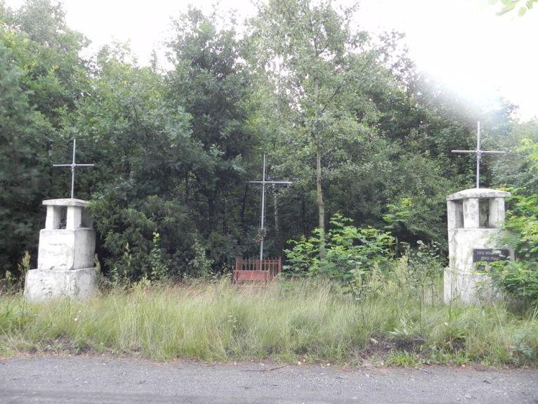 2011-07-10 Ciebłowice - pomnik (5)