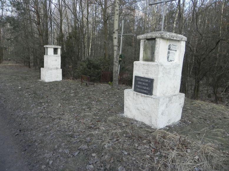 2018-02-23 Ciebłowice - pomnik (1)