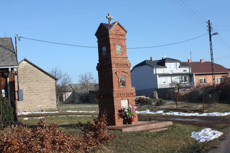 2019-02-10 Miłochniewice kapliczka nr2 (1)