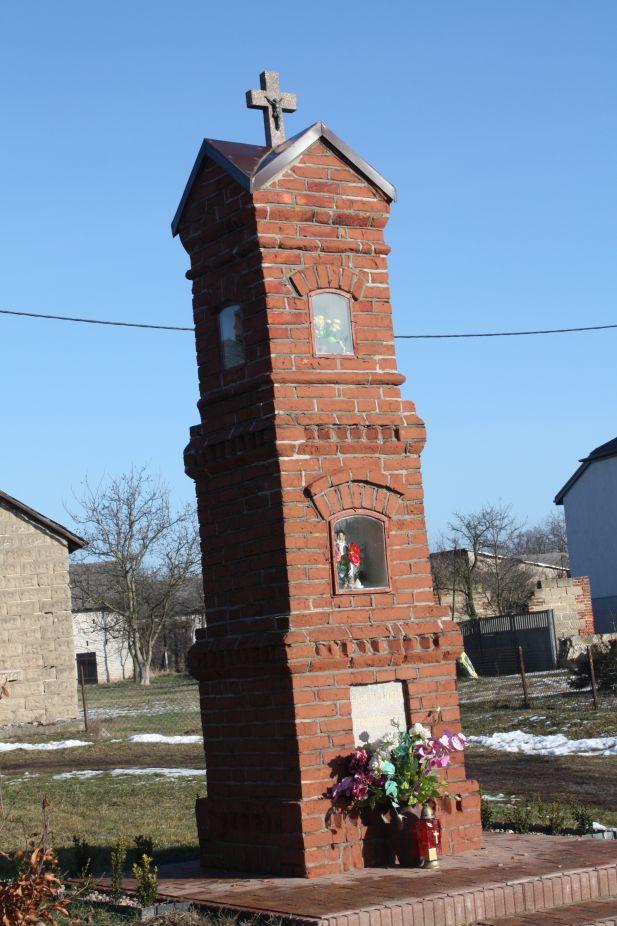 2019-02-10 Miłochniewice kapliczka nr2 (2)