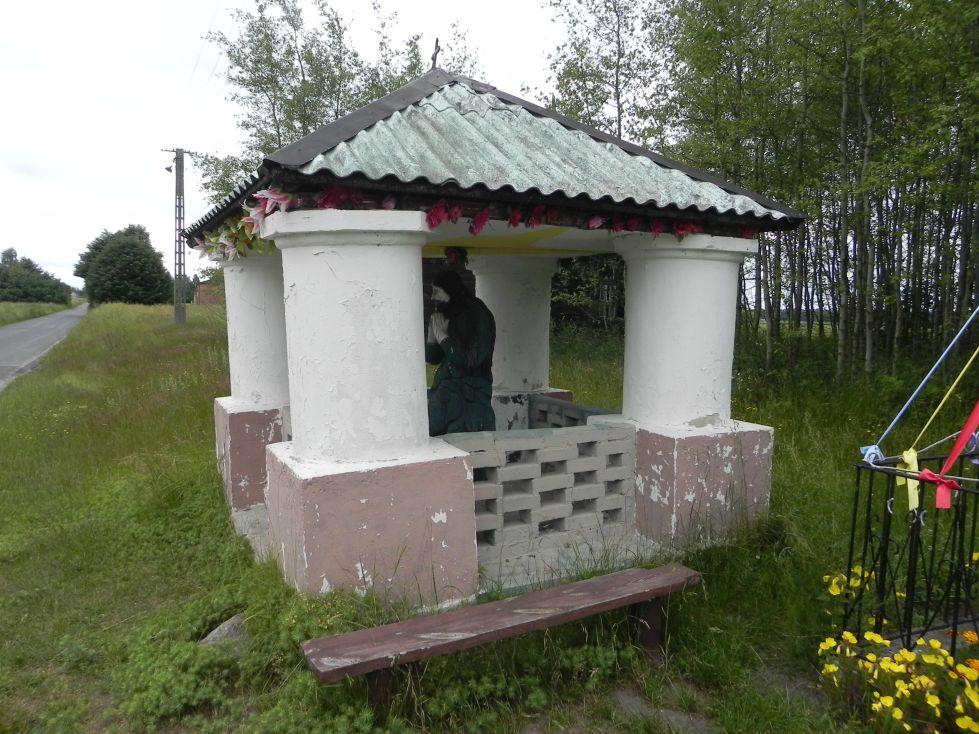 2014-06-15 Modrzewek kapliczka nr2 (2)