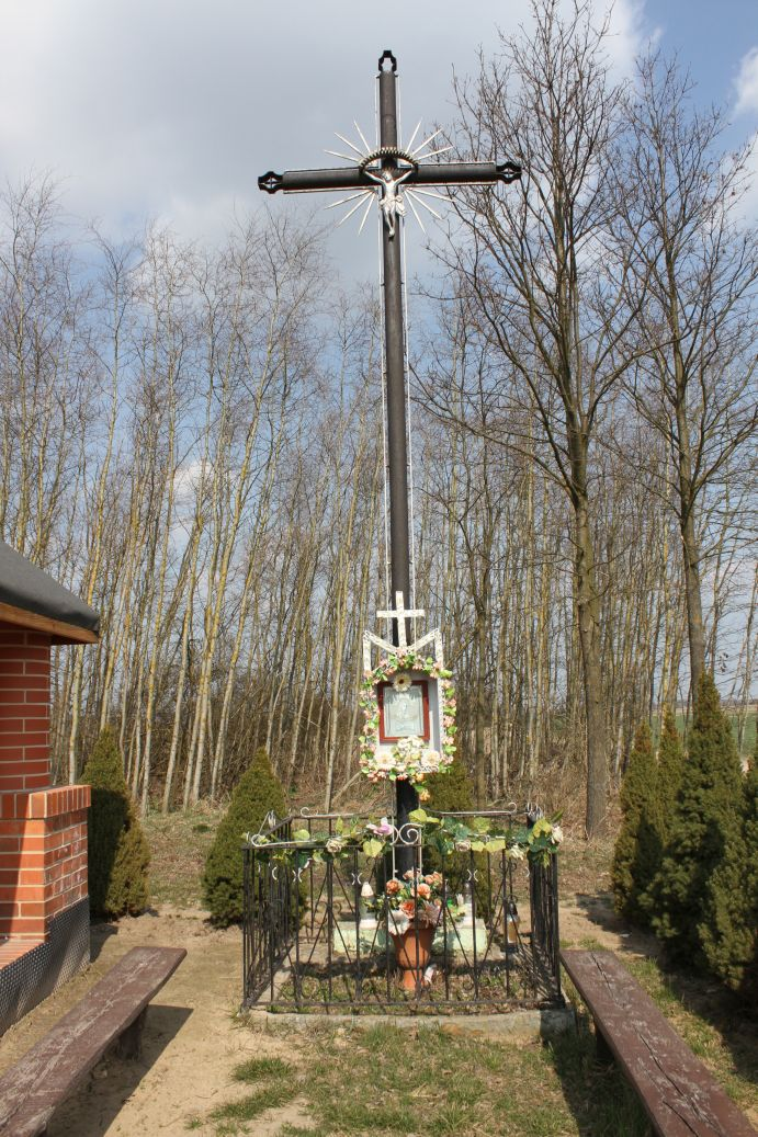2019-03-31 Modrzewek krzyż nr1 (1)