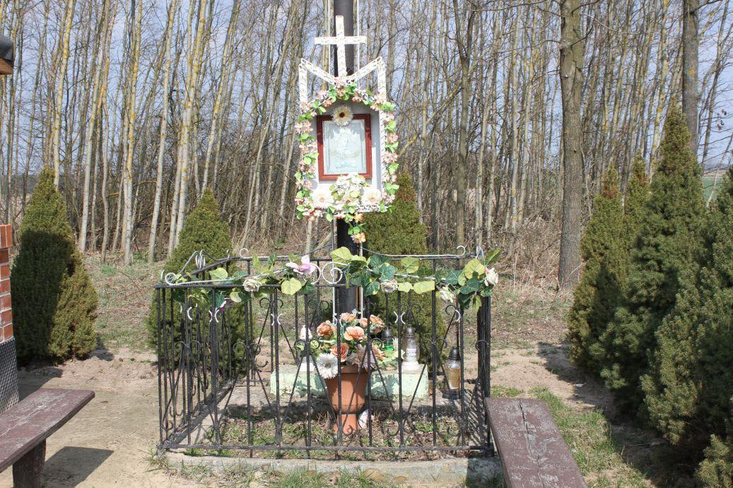 2019-03-31 Modrzewek krzyż nr1 (2)