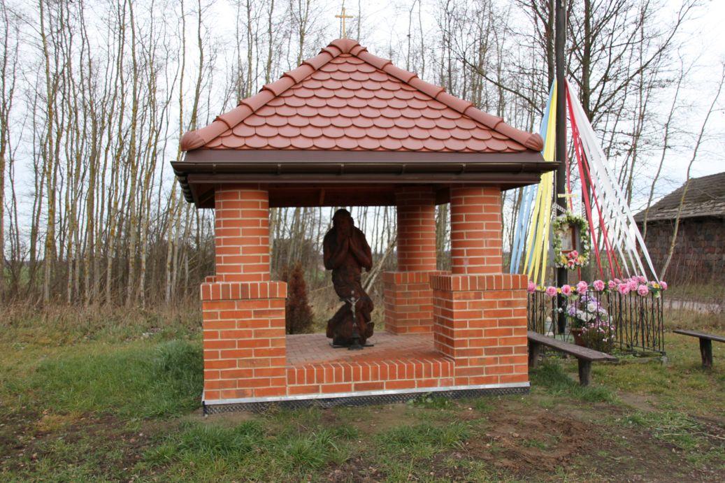 2019-12-15 Modrzewek kapliczka nr2 (1)
