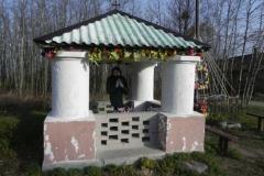 2013-03-11 Modrzewek kapliczka nr1 (2)