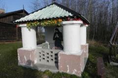 2013-03-11 Modrzewek kapliczka nr1 (3)