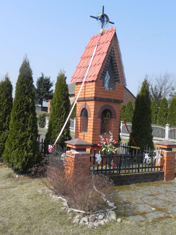 2018-03-25 Mroczkowice kapliczka nr1 (2)