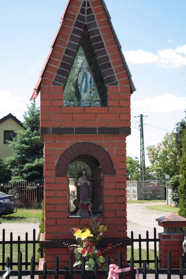 2018-05-13 Mroczkowice kapliczka nr1 (21)
