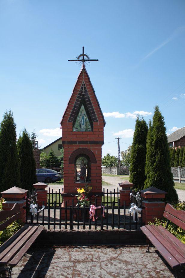 2018-05-13 Mroczkowice kapliczka nr1 (25)