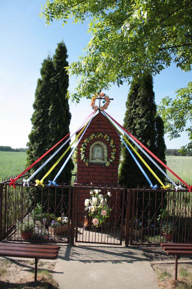 2018-05-13 Ossowice kapliczka nr1 (6)