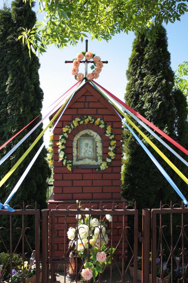 2018-05-13 Ossowice kapliczka nr1 (9)