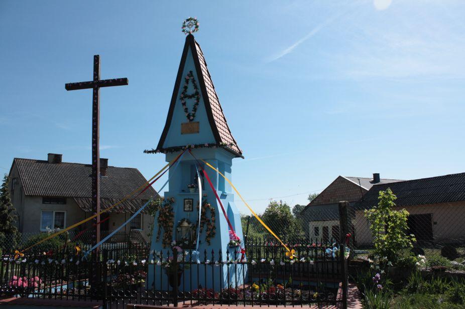 2018-05-13 Ossowice kapliczka nr2 (10)