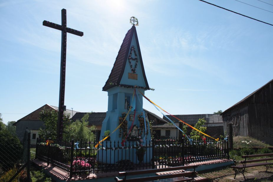 2018-05-13 Ossowice kapliczka nr2 (11)