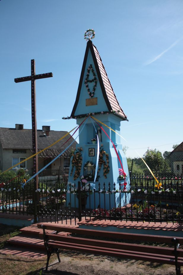 2018-05-13 Ossowice kapliczka nr2 (8)