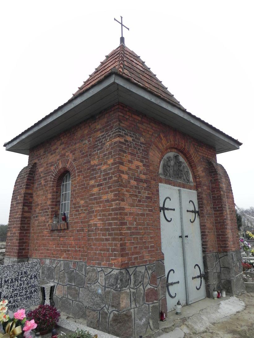 2011-11-19 Cielądz - cmentarz parafialny (10)