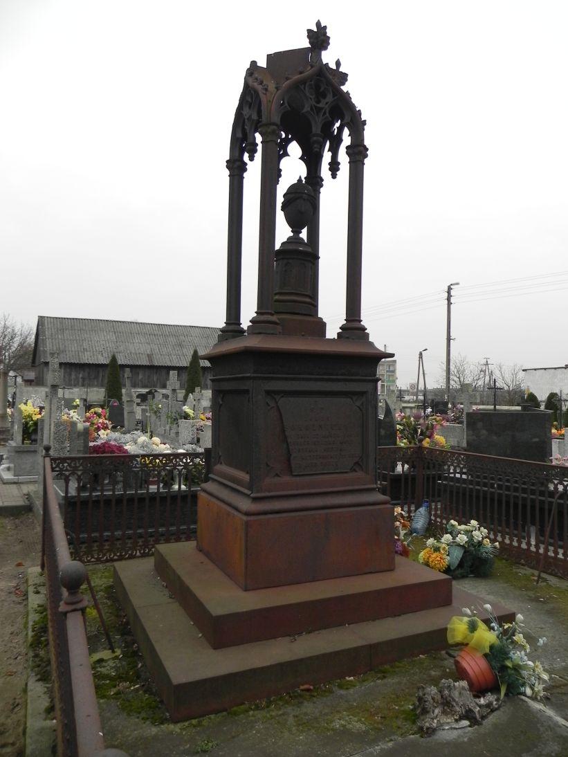 2011-11-19 Cielądz - cmentarz parafialny (18)