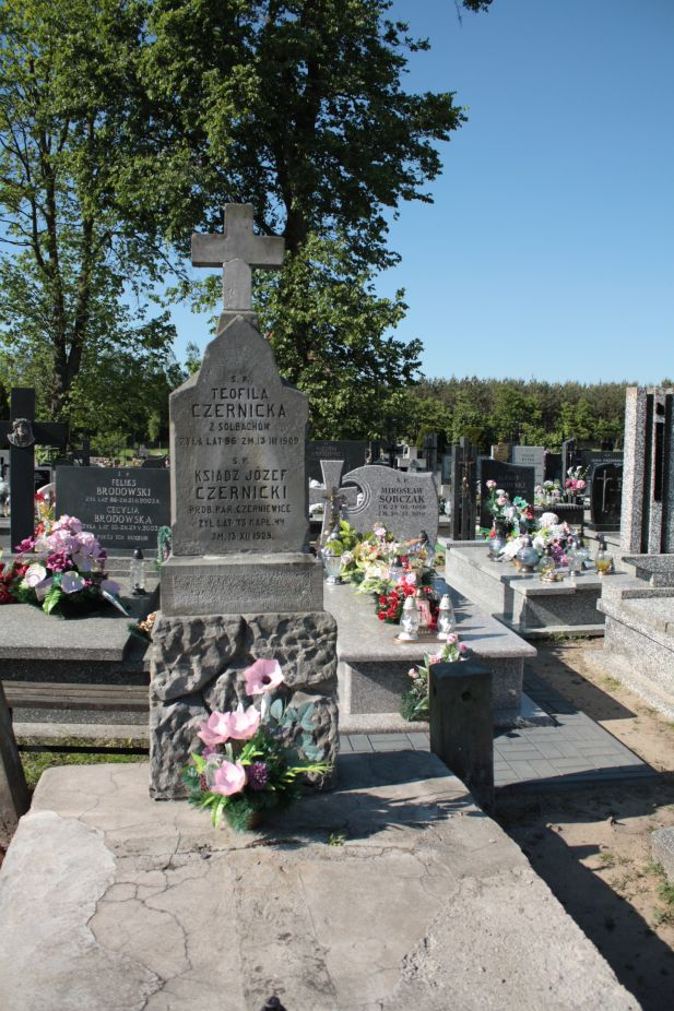 2018-05-06 Cielądz - cmentarz parafialny (92)