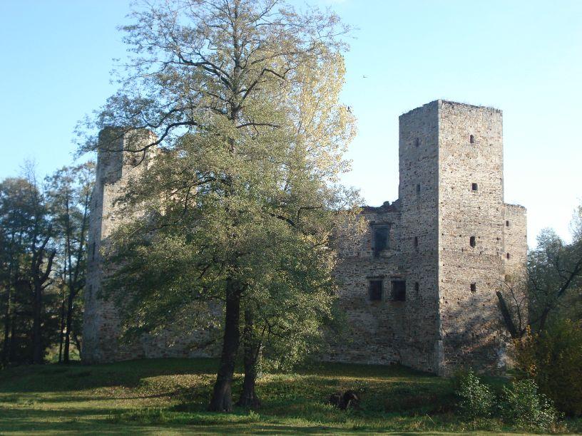 2007-10-21 Drzewica - ruiny zamku (10)