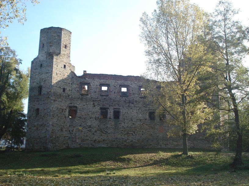 2007-10-21 Drzewica - ruiny zamku (16)