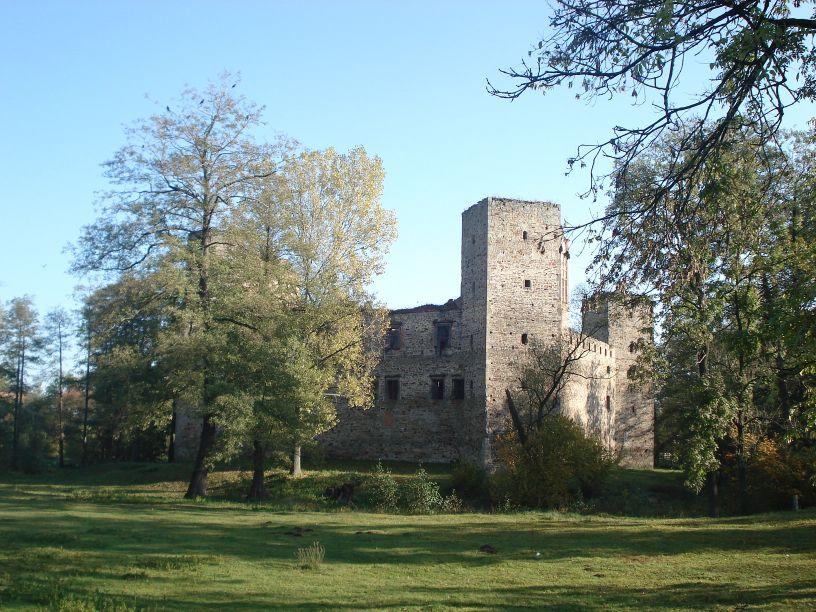 2007-10-21 Drzewica - ruiny zamku (3)
