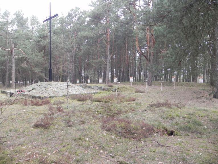 2011-04-17 Inowłódz - cm. z I wojny światowej (10)