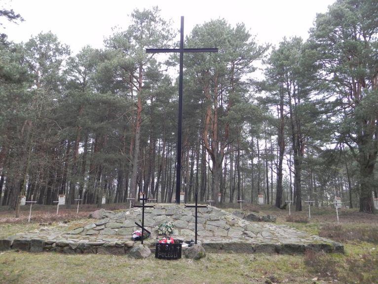 2011-04-17 Inowłódz - cm. z I wojny światowej (11)