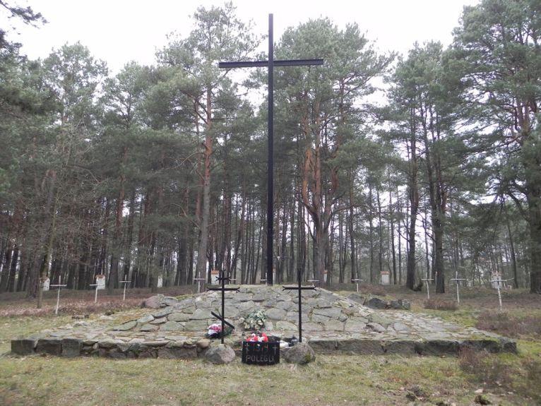 2011-04-17 Inowłódz - cm. z I wojny światowej (12)