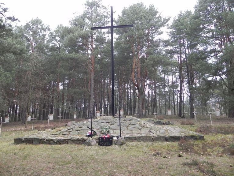 2011-04-17 Inowłódz - cm. z I wojny światowej (15)