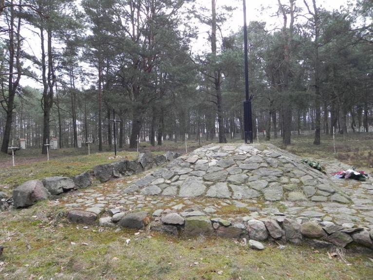 2011-04-17 Inowłódz - cm. z I wojny światowej (20)