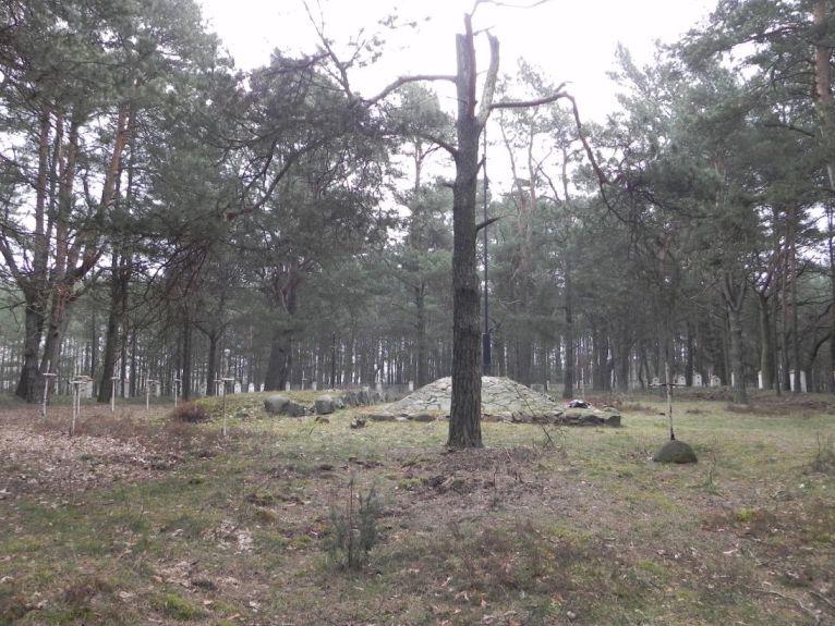 2011-04-17 Inowłódz - cm. z I wojny światowej (26)
